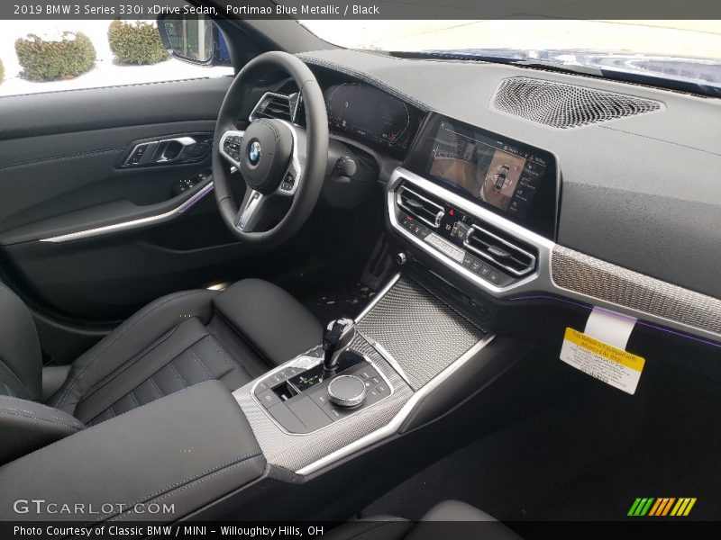 Dashboard of 2019 3 Series 330i xDrive Sedan