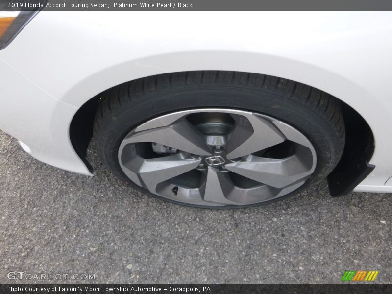Platinum White Pearl / Black 2019 Honda Accord Touring Sedan