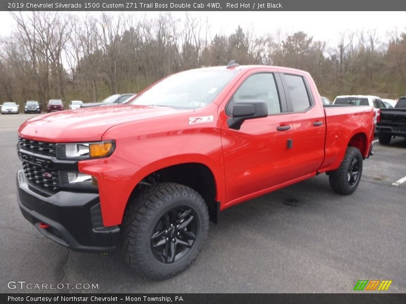 Front 3/4 View of 2019 Silverado 1500 Custom Z71 Trail Boss Double Cab 4WD
