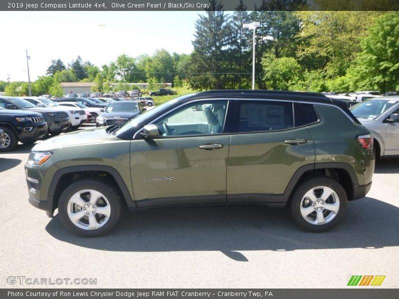 Olive Green Pearl / Black/Ski Gray 2019 Jeep Compass Latitude 4x4