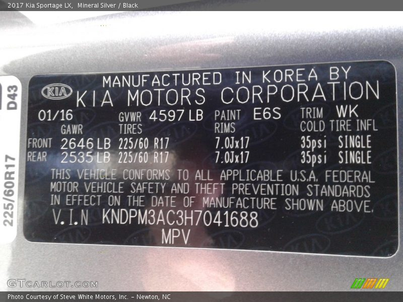 Mineral Silver / Black 2017 Kia Sportage LX