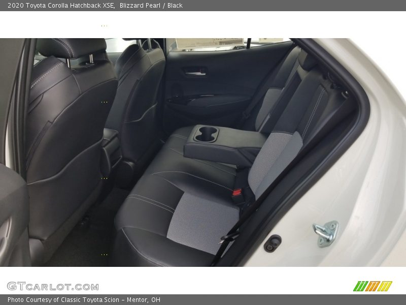 Blizzard Pearl / Black 2020 Toyota Corolla Hatchback XSE