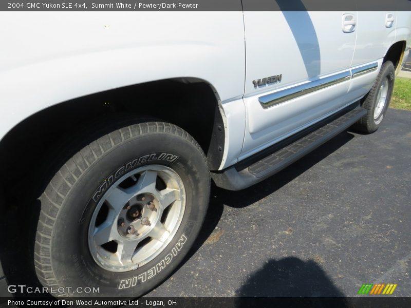 Summit White / Pewter/Dark Pewter 2004 GMC Yukon SLE 4x4