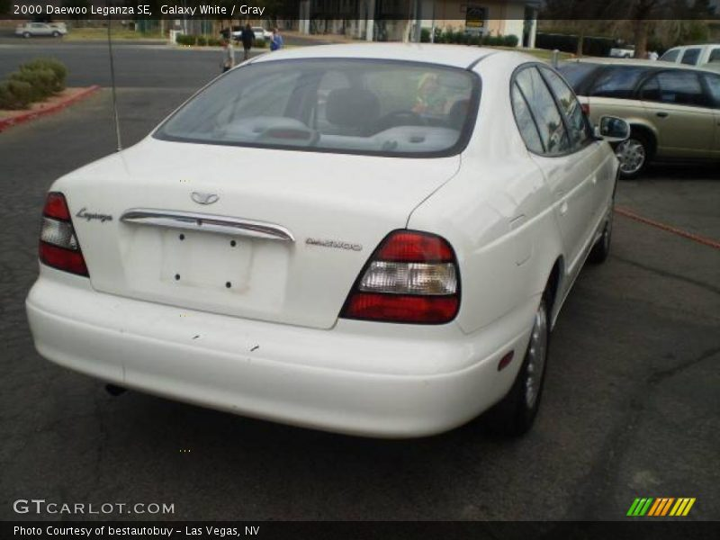 Galaxy White / Gray 2000 Daewoo Leganza SE