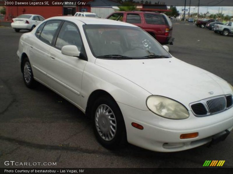 Galaxy White / Gray 2000 Daewoo Leganza SE