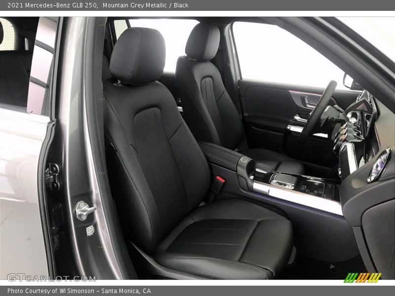 Front Seat of 2021 GLB 250