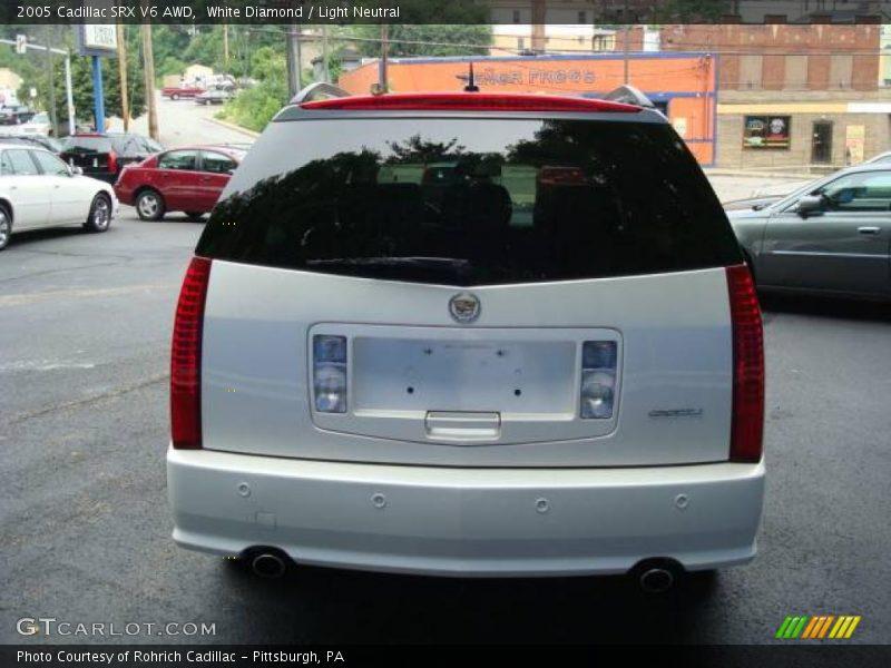 White Diamond / Light Neutral 2005 Cadillac SRX V6 AWD