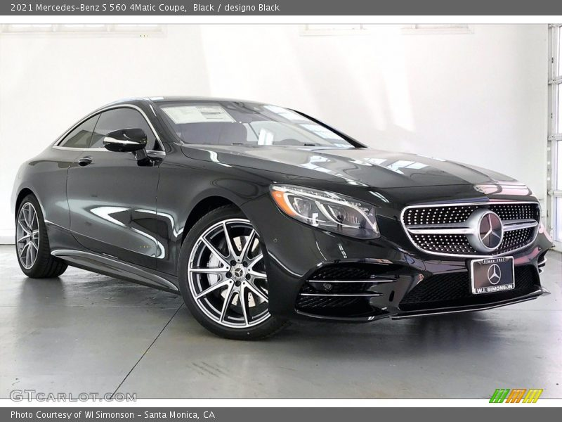 Front 3/4 View of 2021 S 560 4Matic Coupe