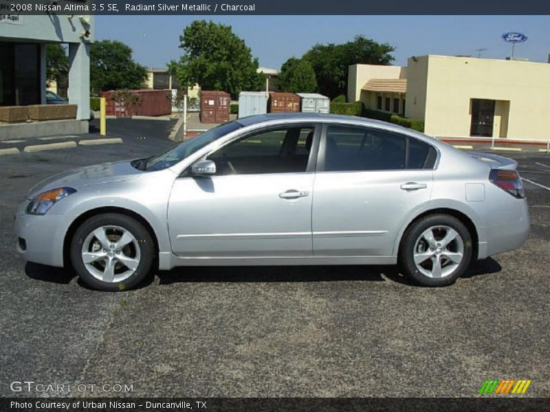 2008 nissan altima 3 5 se in radiant silver metallic photo. Black Bedroom Furniture Sets. Home Design Ideas