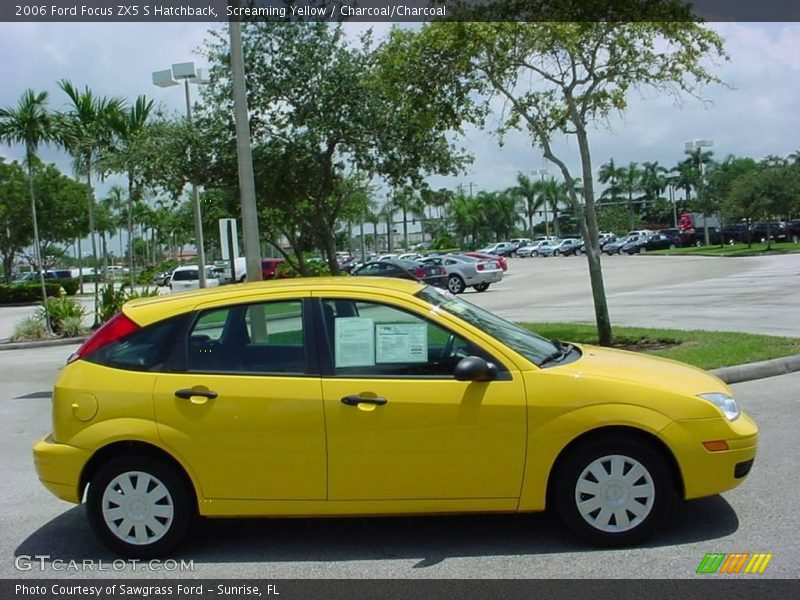 2006 ford focus zx5 s hatchback in screaming yellow photo. Black Bedroom Furniture Sets. Home Design Ideas