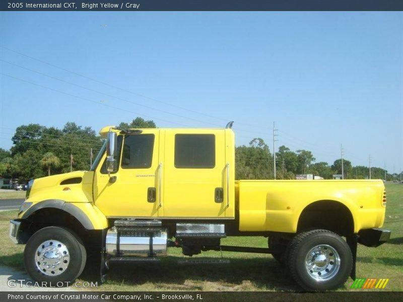 Bright Yellow / Gray 2005 International CXT