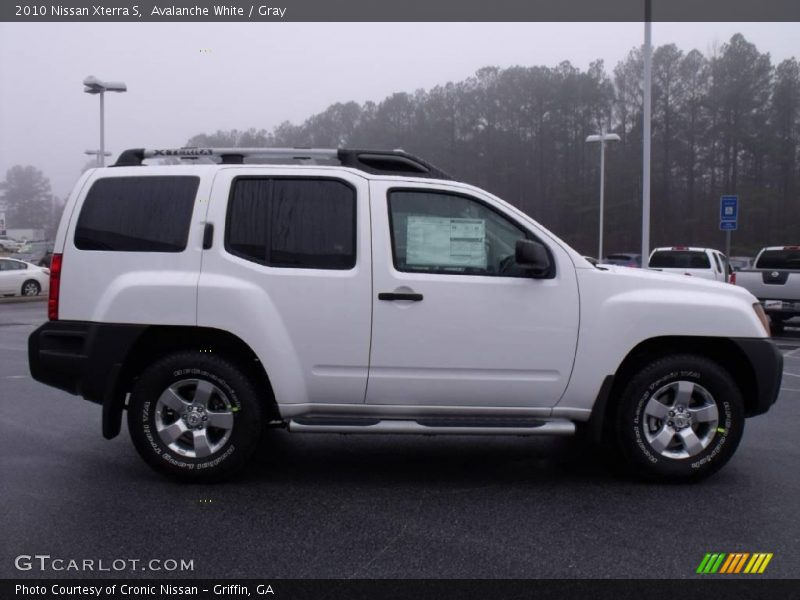 2010 nissan xterra review edmunds autos post. Black Bedroom Furniture Sets. Home Design Ideas