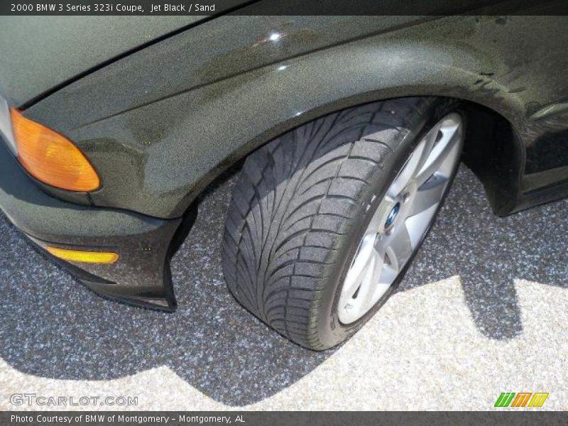 Jet Black / Sand 2000 BMW 3 Series 323i Coupe