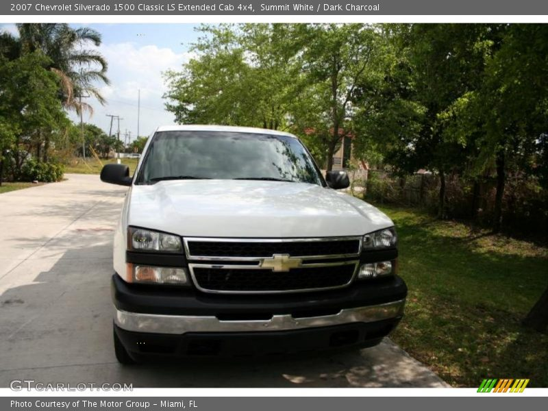 Summit White / Dark Charcoal 2007 Chevrolet Silverado 1500 Classic LS Extended Cab 4x4
