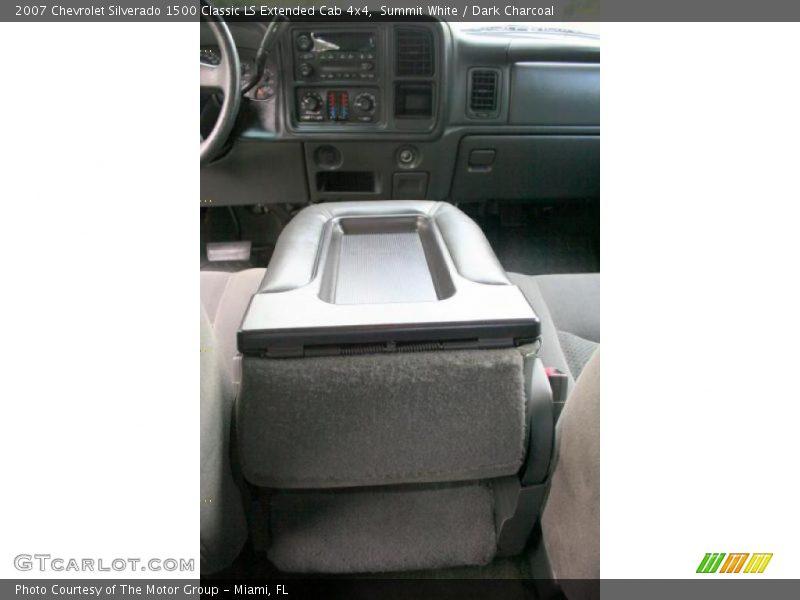 Summit White / Dark Charcoal 2007 Chevrolet Silverado 1500 Classic LS Extended Cab 4x4