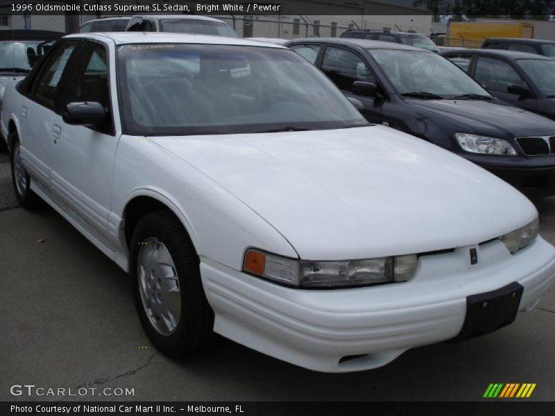 Bright White / Pewter 1996 Oldsmobile Cutlass Supreme SL Sedan