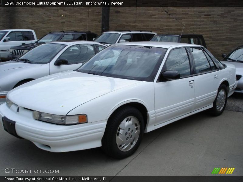 Bright White / Pewter 1996 Oldsmobile Cutlass Supreme SL Sedan