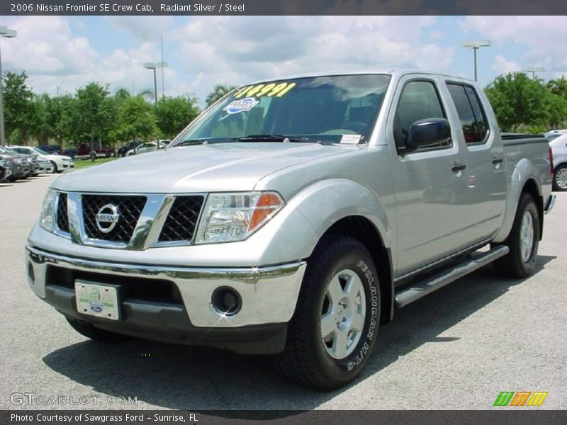2006 nissan frontier se crew cab in radiant silver photo no 30555234. Black Bedroom Furniture Sets. Home Design Ideas