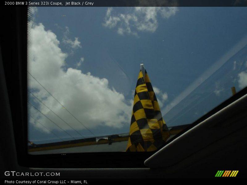Jet Black / Grey 2000 BMW 3 Series 323i Coupe