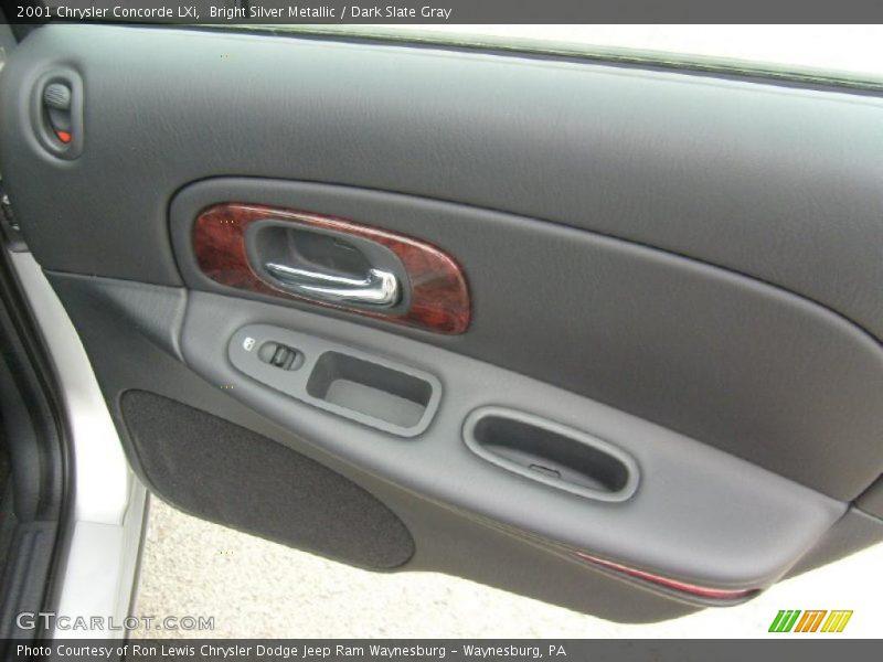 Bright Silver Metallic / Dark Slate Gray 2001 Chrysler Concorde LXi