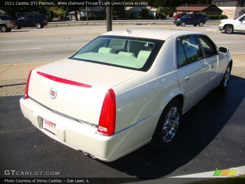 White Diamond Tricoat / Light Linen/Cocoa Accents 2011 Cadillac DTS Platinum