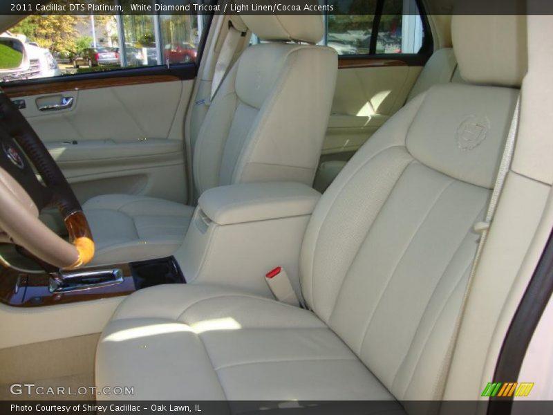 White Diamond Tricoat / Light Linen/Cocoa Accents 2011 Cadillac DTS Platinum