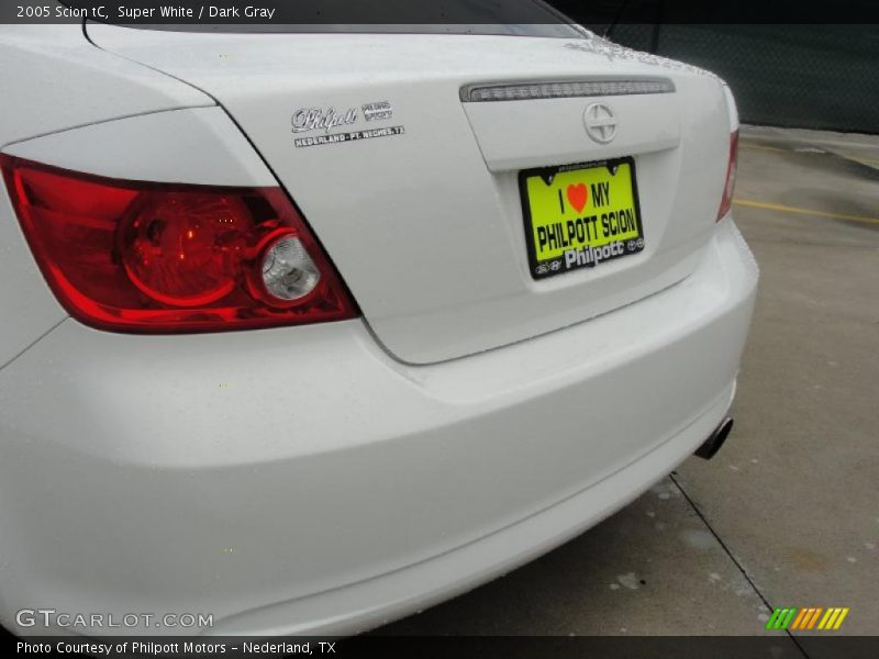 Super White / Dark Gray 2005 Scion tC