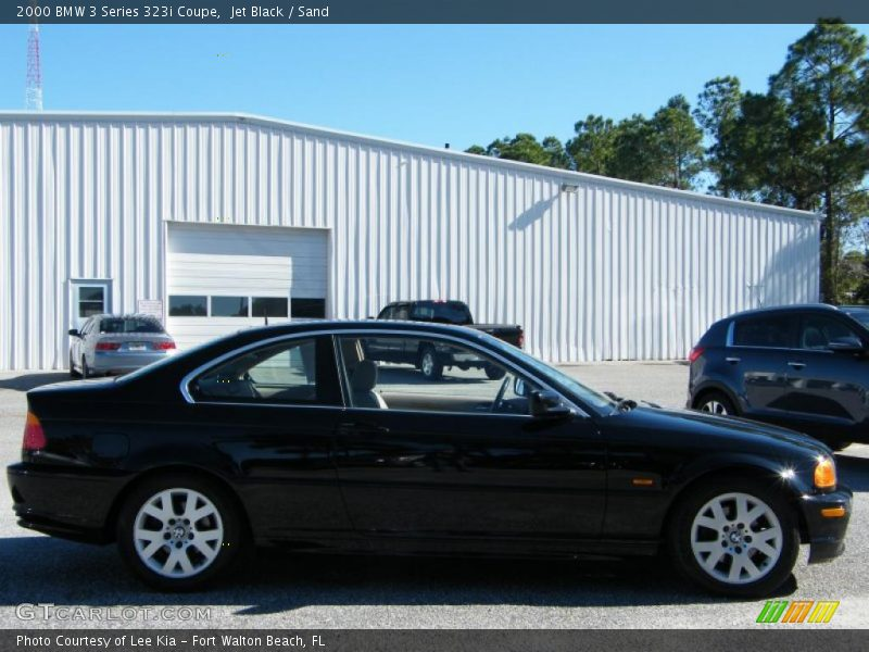 Jet Black / Sand 2000 BMW 3 Series 323i Coupe