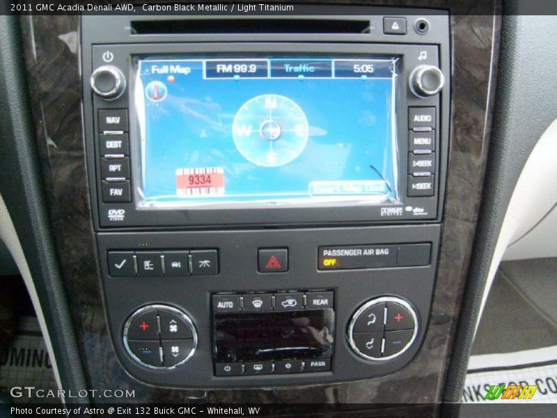 Controls of 2011 Acadia Denali AWD