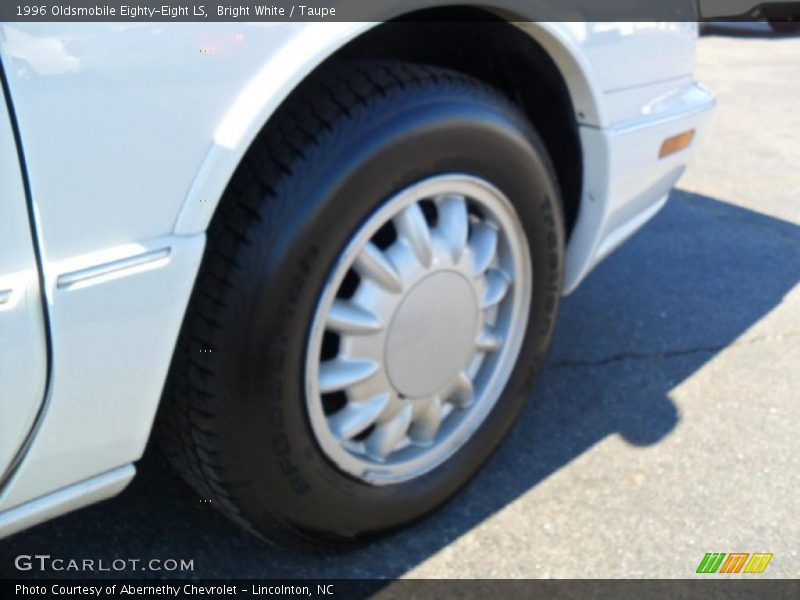 Bright White / Taupe 1996 Oldsmobile Eighty-Eight LS