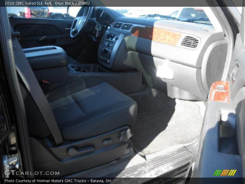 Onyx Black / Ebony 2010 GMC Yukon SLE 4x4