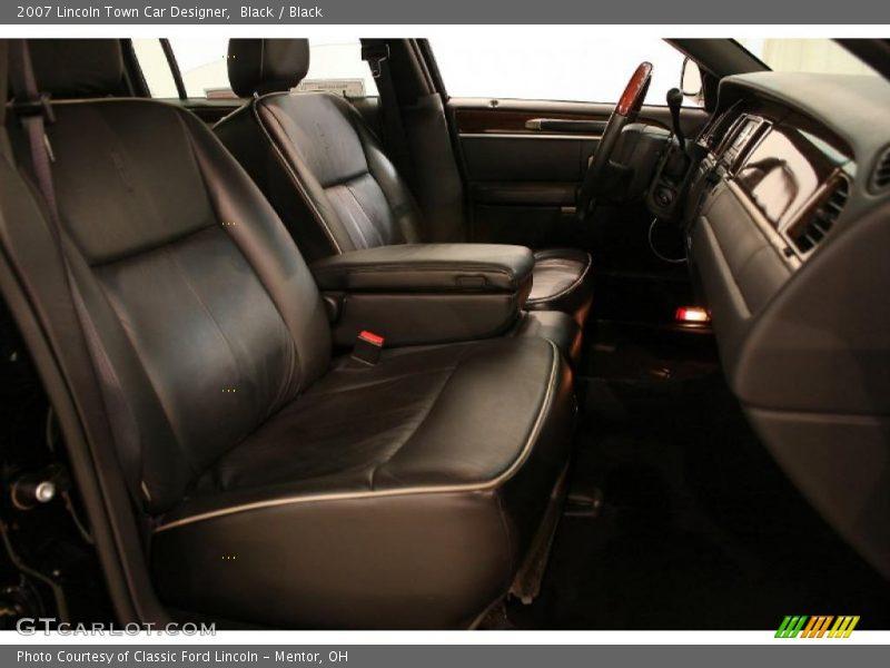 2007 town car designer black interior photo no 47209502. Black Bedroom Furniture Sets. Home Design Ideas