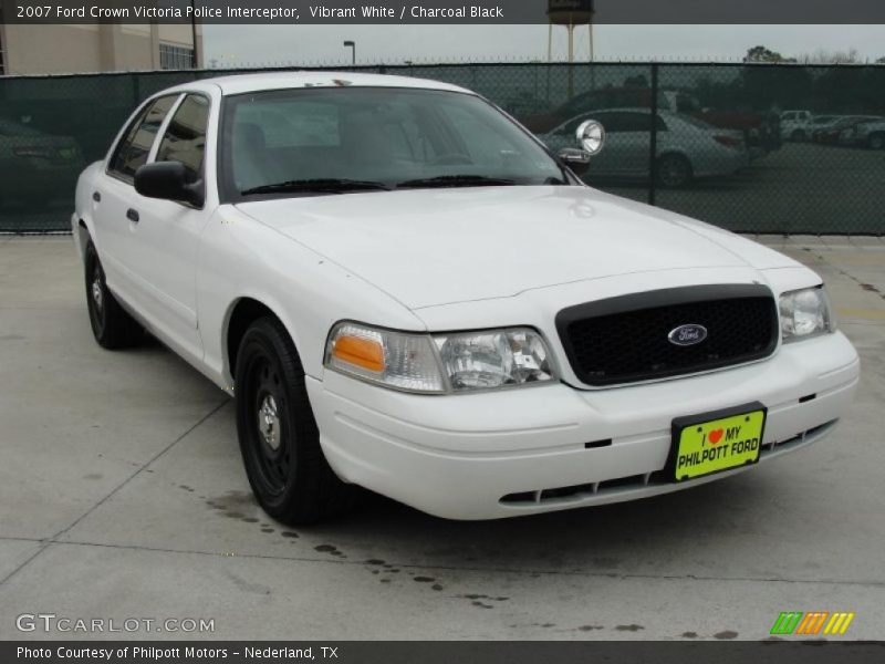 2007 ford crown victoria police interceptor in vibrant white photo no 47769702. Black Bedroom Furniture Sets. Home Design Ideas