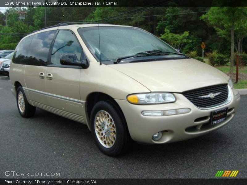 1998 chrysler town country lxi in champagne pearl photo no 48549632. Black Bedroom Furniture Sets. Home Design Ideas