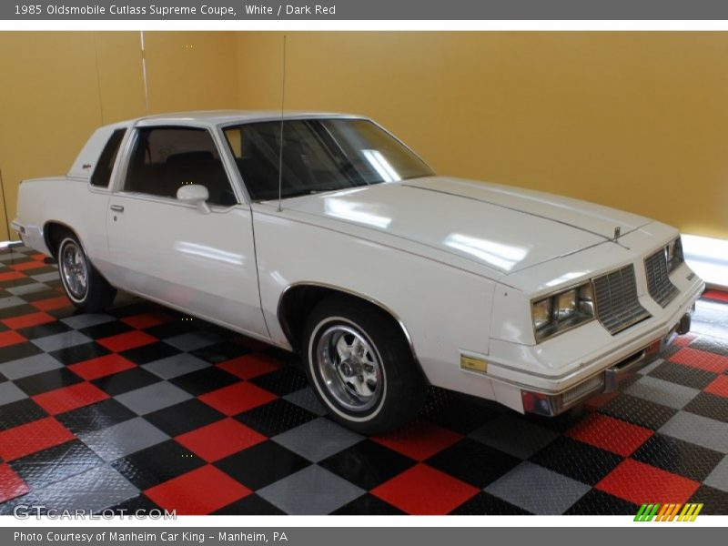White / Dark Red 1985 Oldsmobile Cutlass Supreme Coupe