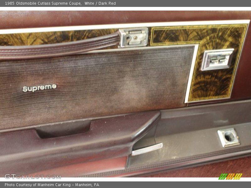 White / Dark Red 1985 Oldsmobile Cutlass Supreme Coupe