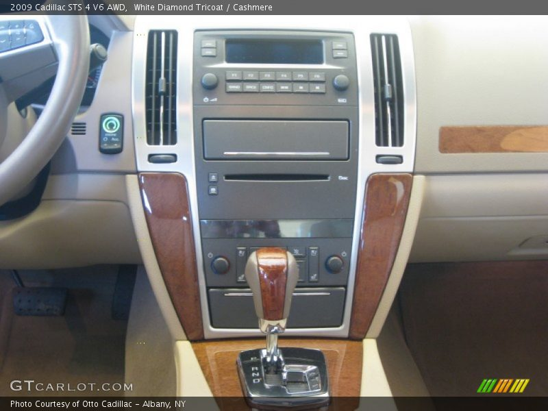 Controls of 2009 STS 4 V6 AWD