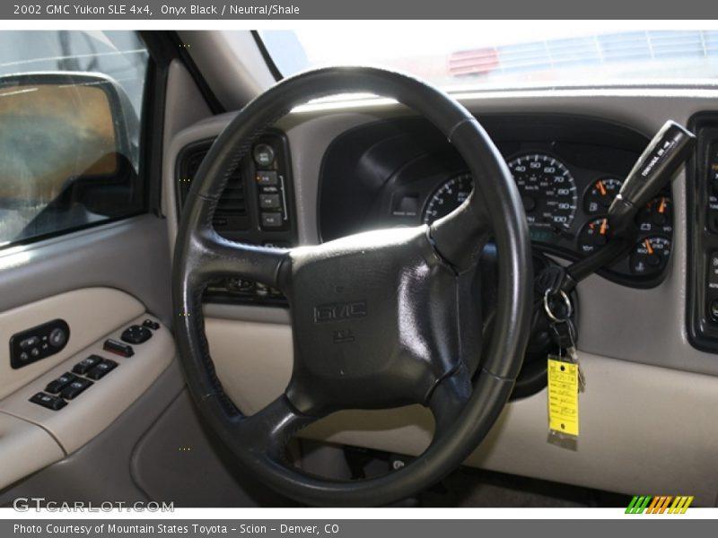 Onyx Black / Neutral/Shale 2002 GMC Yukon SLE 4x4