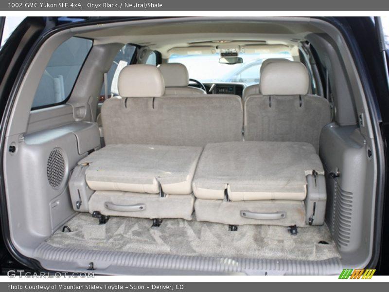 2002 Yukon SLE 4x4 Trunk