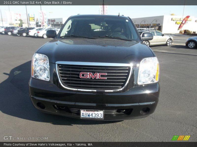 Onyx Black / Ebony 2011 GMC Yukon SLE 4x4