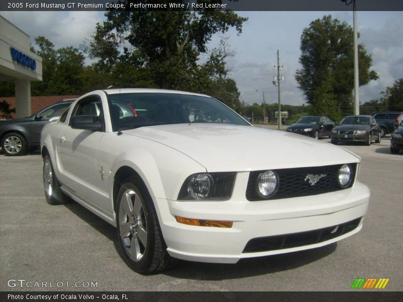 2005 ford mustang gt premium coupe in performance white. Black Bedroom Furniture Sets. Home Design Ideas