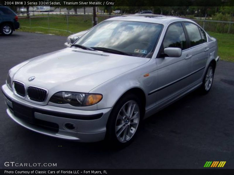 2004 bmw 3 series 330xi sedan in titanium silver metallic. Black Bedroom Furniture Sets. Home Design Ideas
