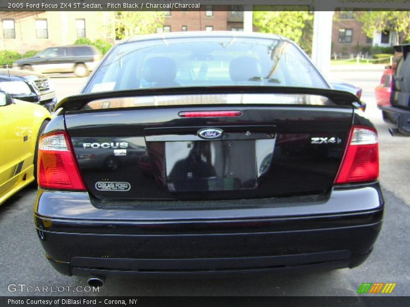 2005 ford focus zx4 st sedan in pitch black photo no. Black Bedroom Furniture Sets. Home Design Ideas