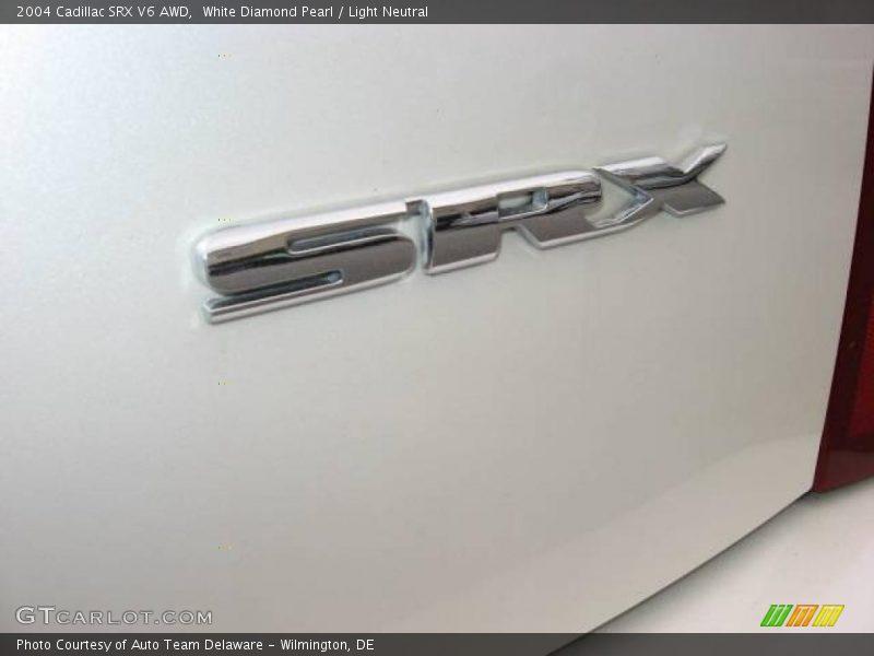 White Diamond Pearl / Light Neutral 2004 Cadillac SRX V6 AWD