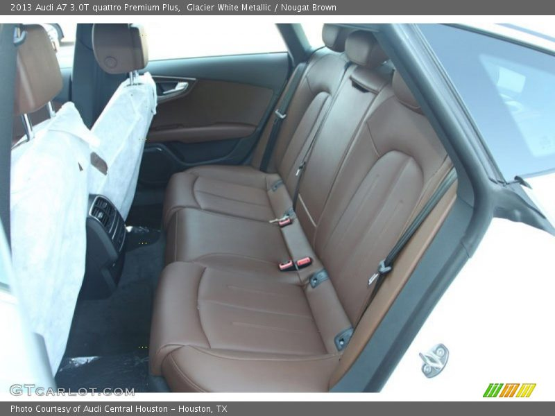 rear seat of 2013 a7 3 0t quattro premium plus photo no. Black Bedroom Furniture Sets. Home Design Ideas