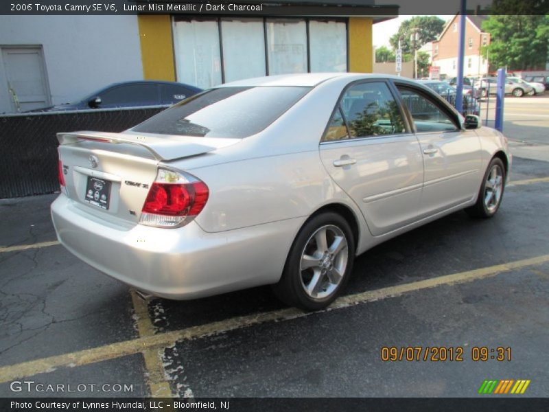 2006 toyota camry se v6 in lunar mist metallic photo no. Black Bedroom Furniture Sets. Home Design Ideas