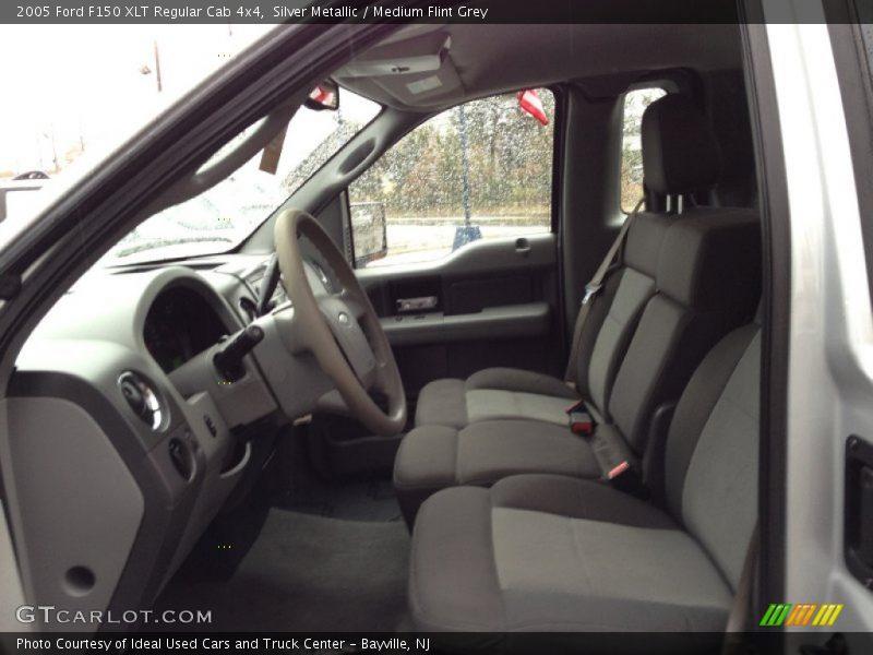 2005 F150 XLT Regular Cab 4x4 Medium Flint Grey Interior