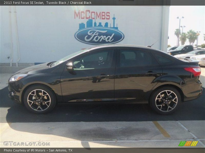 2013 Ford Focus SE Sedan in Tuxedo Black Photo No ...