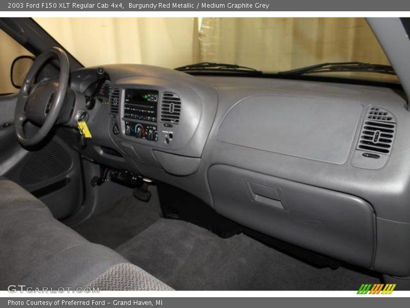 Dashboard of 2003 F150 XLT Regular Cab 4x4