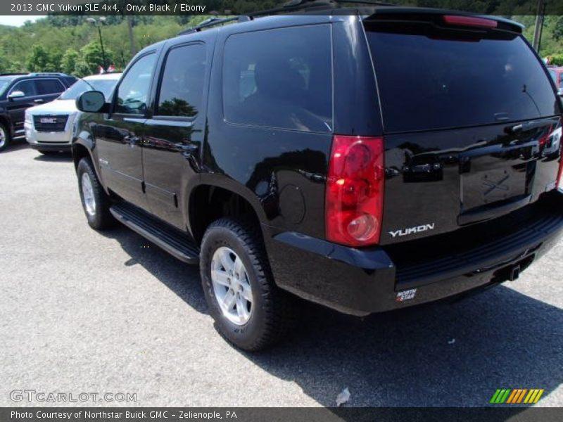 Onyx Black / Ebony 2013 GMC Yukon SLE 4x4